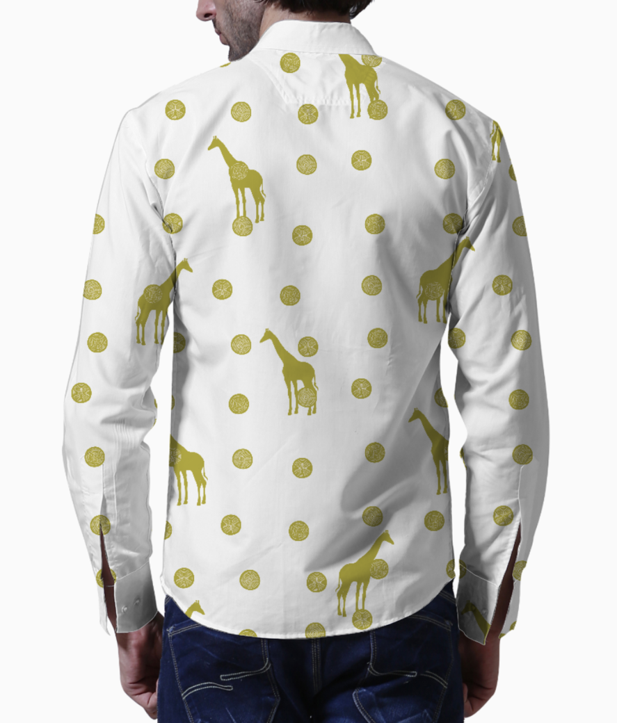 Giraffe spots basic shirt back