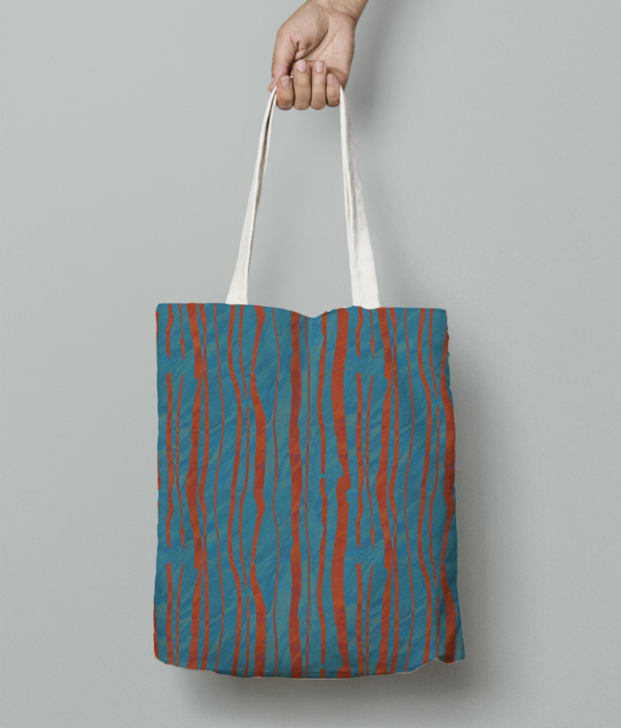 Stripe tote bag front