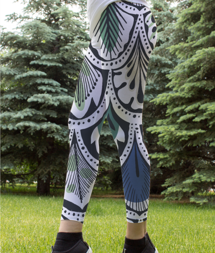 Feather pattern leggings front